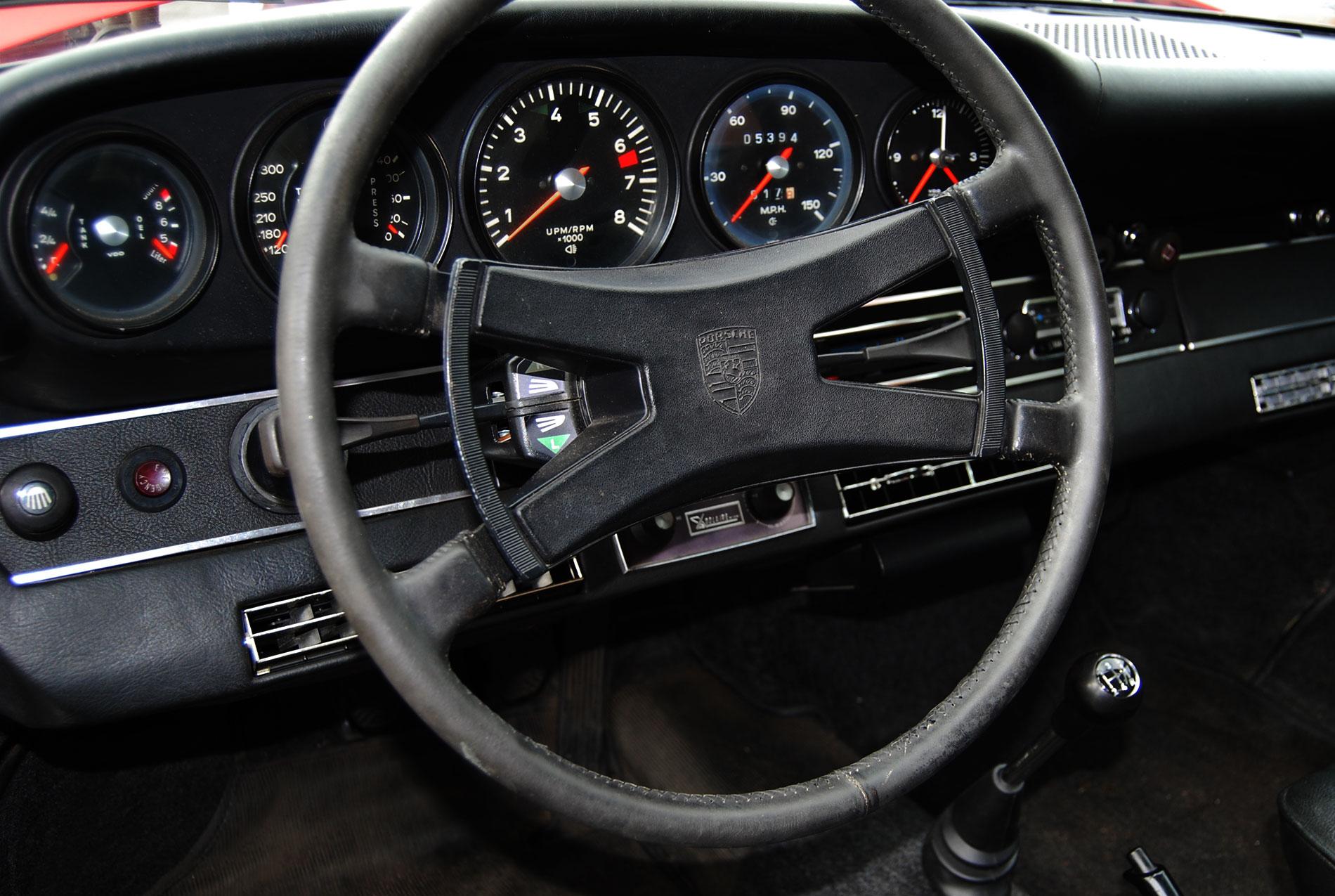 Porsche 911 2 4