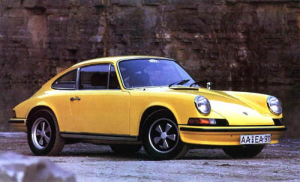 Yellow 1973 911 T on Fuchs wheels