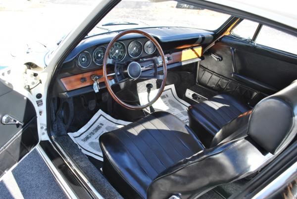 1964 Porsche 911 interior - black leather seats