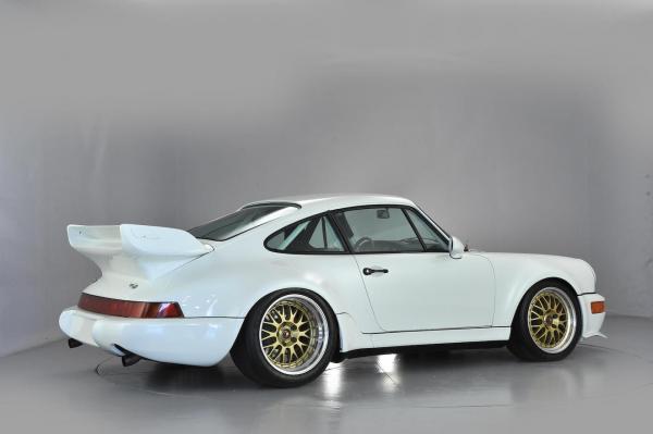 White Porsche 964 RSR